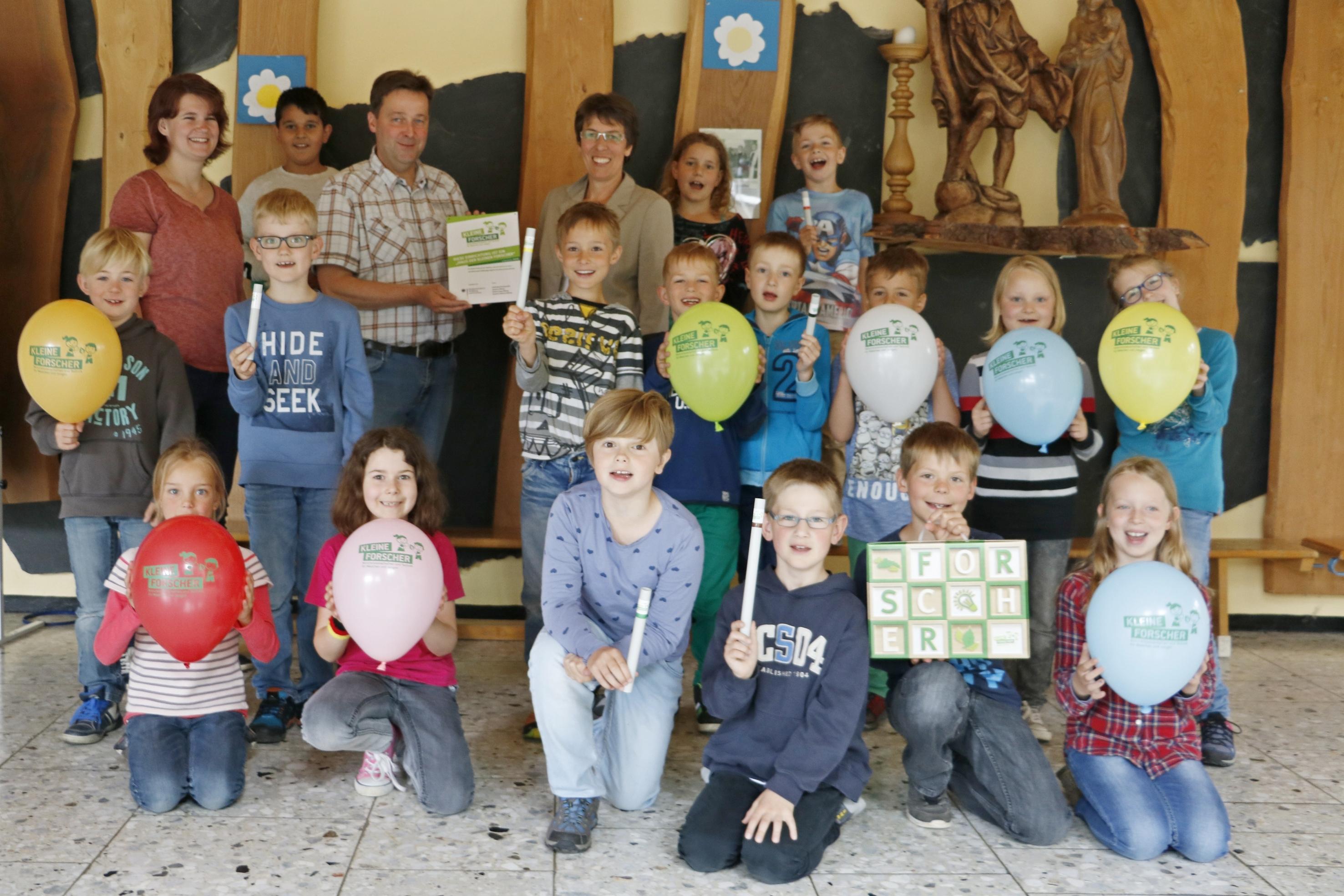 Kleine Forscher in der St. Christophorus-Schule Niedersfeld